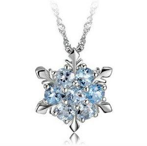 Jewelry - Snowflake necklace